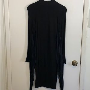 Hot & Delicious L/S Fringe Midi Dress in Size S